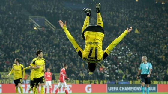 Aubameyang falhou três golos feitos na Luz mas marcou outros tantos na segunda mão em Dortmund