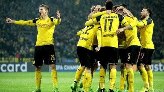 Depois de vencer por duas vezes o Sporting pela margem mínima (2-1 e 1-0), B. Dortmund goleou Benfica (4-0)