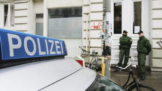 Fontes da policia alemã revelaram aos media locais que as imagens do crime eram chocantes