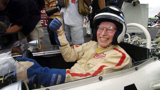 John Surtees ganhou um título na Fórmula 1 em 1964 quando estava na Ferrari