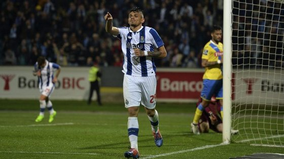 """""""Para vocês, galera"""" - Soares bisou no sexto jogo consecutivo a marcar pelos dragões na Primeira Liga"""