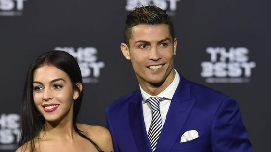 Cristiano Ronaldo com a namorada, Georgina Rodriguez, e o filho, Cristiano Ronaldo Júnior