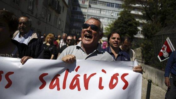 O estudo aponta ainda que em 18 países o crescimento do salário real entre 2009 e 2016 foi mais fraco do que no período entre 2001 e 2008