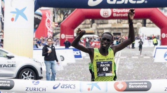 Jonah venceu a maratona de Barcelona, primeira que fez em toda a carreira após algumas meias maratonas