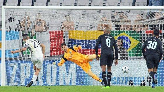 Penalty de Dybala sentenciou o que já estava sentenciado: a derrota do FC Porto e a queda de Portugal no ranking