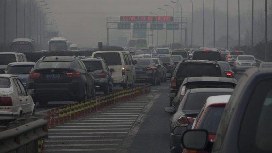 O estudo foi realizado por investigadores chineses, que estudaram os efeitos da poluição atmosférica sobre as mortes registadas em 38 grandes cidades do país