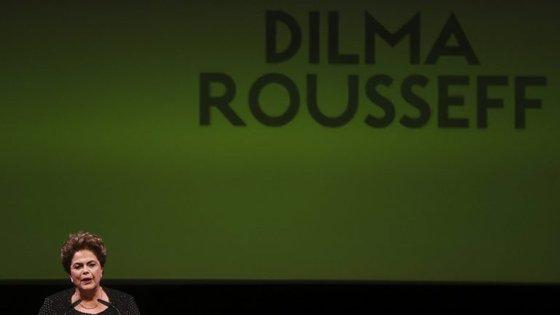 Dilma Rousseff inaugurou esta quarta-feira o ciclo de conferências do Teatro da Trindade