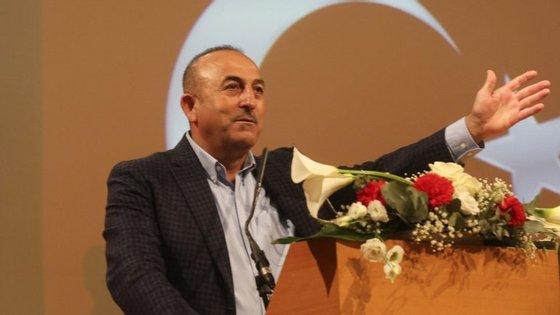 O ministro criticou a UE por não ter permitido que os turcos viajassem sem visto