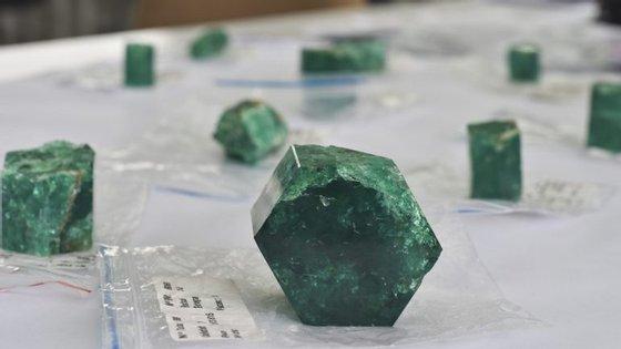 As esmeraldas 'Muzo', encontradas no naufrágio espanhol, tornam esta embarcação na mais valiosa da história