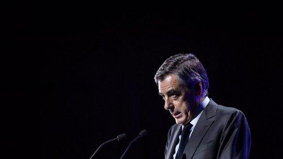 De acordo com o jornal, Fillon gastou na casa de moda parisiense Arnys 48.500 euros