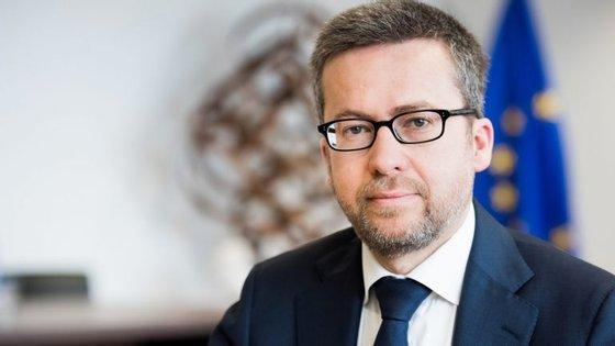 Comissário europeu com o pelouro da Inovação esteve presente no Caixa Empreender Award que consagrou a Probe.ly como vencedora, tendo recebido 100 mil euros da Caixa Capital