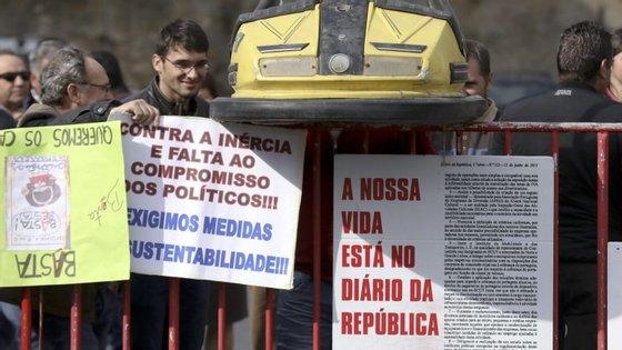 As iniciativas de protesto agendadas, que incluem manifestações, marchas lentas e desfiles, deveriam decorrer até 25 de março