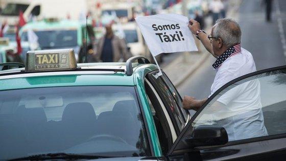 Taxistas querem que a contingentação dê preferência aos veículos já licenciados