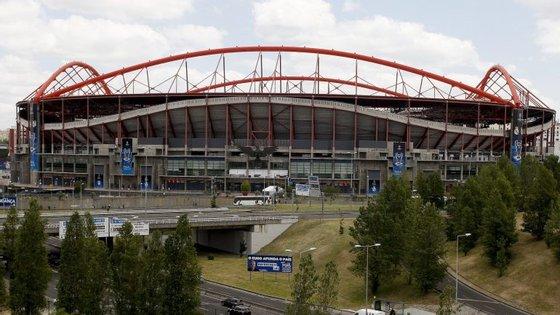 Estádio da Luz deverá registar nova enchente para um encontro que poderá decidir a Primeira Liga