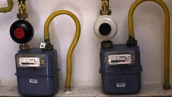 """A Entidade Reguladora dos Serviços Energéticos (ERSE) alerta que a fidelização no fornecimento de eletricidade e de gás natural não é proibida, mas que """"se existir, deve ser explicada e demonstrada ao consumidor qual a vantagem associada"""""""