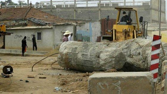 A construtora Odebrecht anunciou anteriormente a conclusão da reabilitação deste mesmo troço
