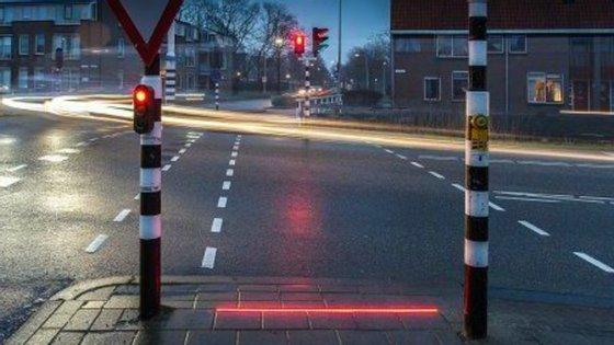 O sistema inovador foi desenvolvido pela empresa local HIG Traffic Systems e, até à data, só se encontra apenas num dos cruzamentos de Bodegraven-Reeuwijk