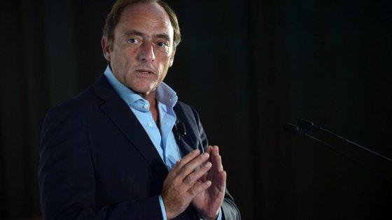 """""""Sou patriota e português. No euro, cumprem-se as regras mas não pode haver primeira ou segunda divisão"""", afirmou Paulo Portas."""
