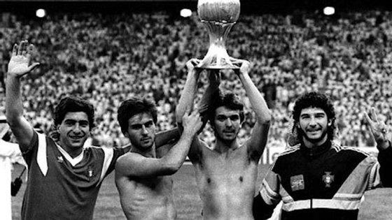 Abel Silva é o primeiro à esquerda