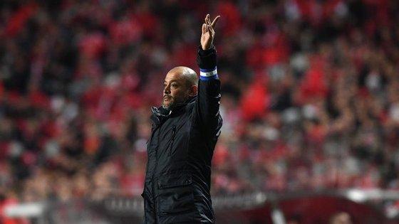 Nuno Espírito Santo lamentou o empate, mas garantiu que o Porto está na luta até ao fim