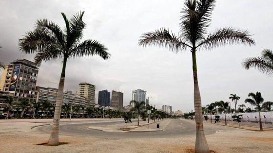 A África do Sul deve emitir 12,4 mil milhões de dólares, Angola 15 mil milhões e a Nigéria 7,4 mil milhões de dólares