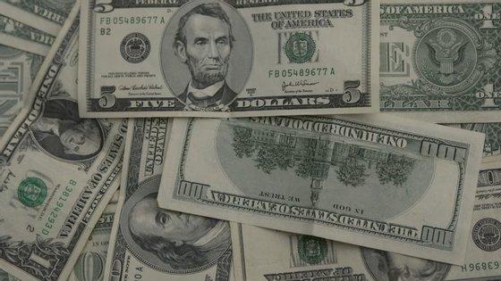 As taxas de rua já estiveram próximas dos 600 kwanzas por cada dólar em agosto e julho