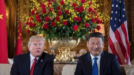 Donald TRumo e Xi Jinping no jantar de boas-vindas ao presidente chinês