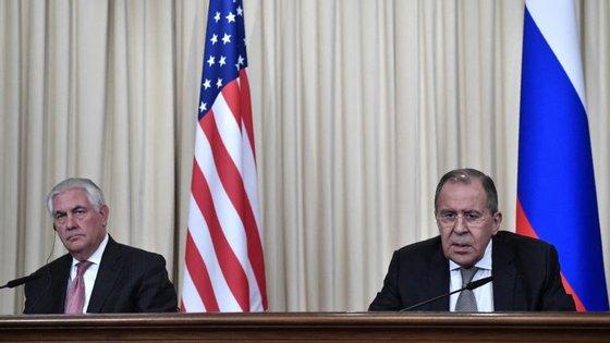 Rex Tillerson iniciou esta terça-feira a sua primeira visita oficial a Moscovo