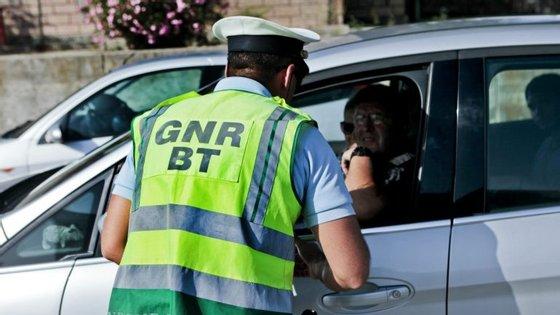 No local esteve uma equipa de inativação de explosivos da GNR de Braga e dezenas de militares do Pelotão de Intervenção e da Brigada de Trânsito