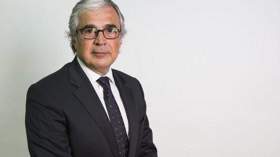 """""""O problema do país não é Passos Coelho. É António Costa. É um primeiro-ministro em regime de substituição"""""""