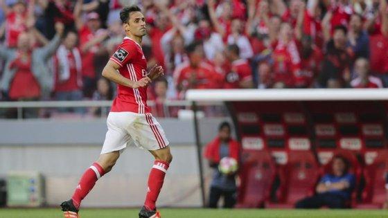 Jonas precisou de menos de dez minutos para bisar e confirmar mais uma vitória do Benfica na Primeira Liga