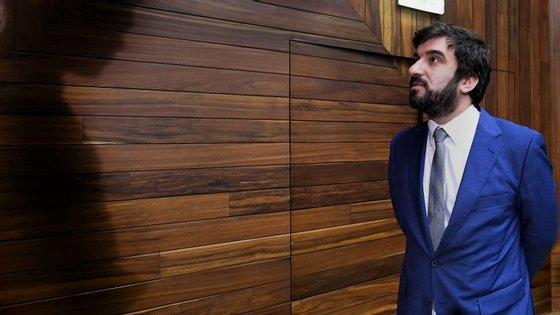 """""""Ministério agirá civil, disciplinar ou criminalmente contra os autores"""", afirma ministro"""