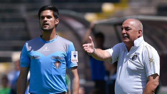 Vítor Oliveira tinha uma dívida de gratidão com o Portimonense, onde acabou carreira de jogador. E cumpriu
