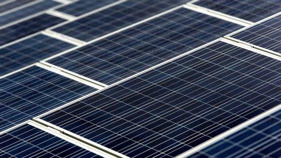 O contrato, autorizado por despacho de 13 de abril do Presidente angolano, envolve a empresa estatal chinesa Dongfang Electric Corporation