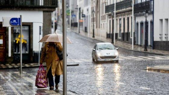 Desde o início da semana que têm sido emitidos vários avisos de mau tempo para os Açores