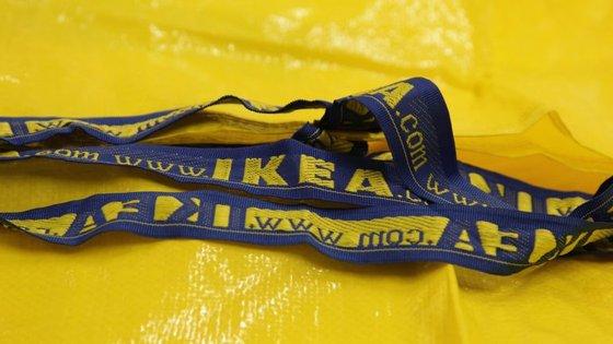 O saco FRAKTA custa 70 cêntimos nas lojas portuguesas.