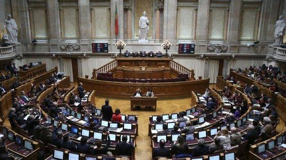 Luís Ribeiro será ainda questionado pelos deputados acerca da situação vivida a 10 de maio no Aeroporto de Lisboa, quando uma avaria no sistema de abastecimento de combustível obrigou ao cancelamento de dezenas de voos