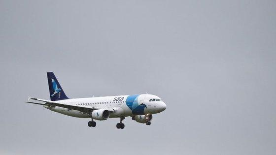 A inauguração estava prevista para esta sexta-feira, mas devido à greve dos tripulantes de cabine foi adiada para sábado