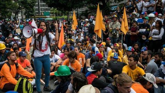 Capriles diz que 82% das famílias venezuelanas estão em situação de pobreza
