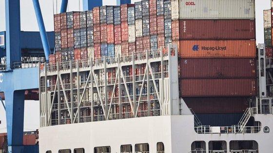 """Este foi """"o volume de carga movimentada mais elevado de sempre nestes períodos, por reflexo de idêntica realização ocorrida nos portos de Leixões, Aveiro e Sines"""""""
