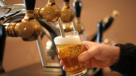 Em Portugal é proibida a venda e comercialização de todo o tipo de álcool a menores de 18 anos