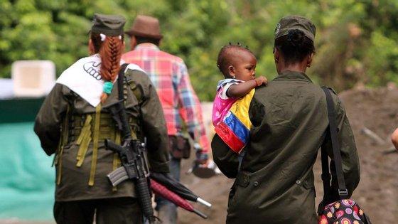 Em abril, as Nações Unidas estimaram o arsenal das FARC em aproximadamente sete mil armas