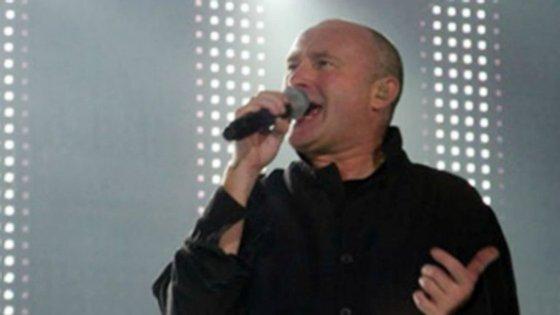 Phil Collins, de 66 anos, deverá retomar a tournée no domingo em Colónia, na Alemanha
