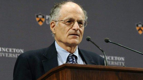 Sargent, um professor da Universidade de Nova Iorque, recebeu o Nobel da Economia em 2011 pela sua investigação empírica nas causas e efeitos na macroeconomia