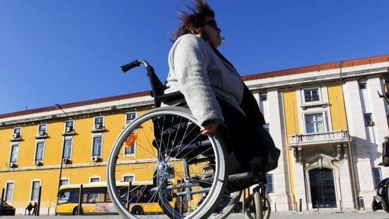 Numa resolução publicada esta terça-feira em Diário da República, o parlamento apresenta uma série de recomendações ao Governo em matéria de apoio às pessoas com deficiência