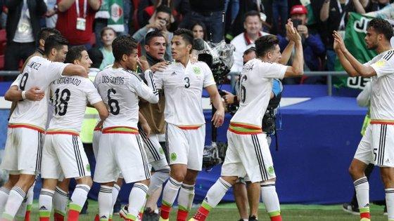 A Federação Mexicana de Futebol já sofreu sanções recentemente pelos mesmos motivos, nos jogos de qualificação para o Mundial2018