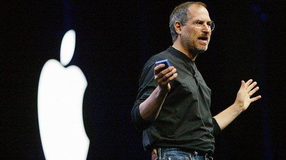 Steve Jobs, CEO da Apple, morreu em outubro de 2011, vítima de cancro