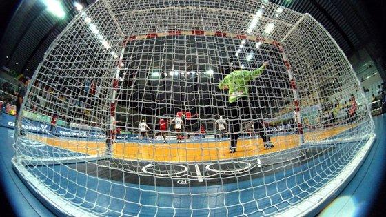 O quarto jogo realiza-se terça-feira, de novo em Braga