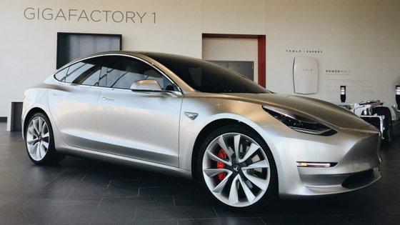 O Model 3 parece cada vez mais pronto para fazer a sua estreia oficial, e iniciar a sua comercialização, dentro de semanas