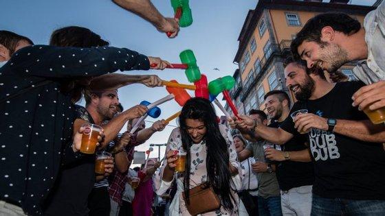 A Câmara calcula que tenham estado mais de 500 mil pessoas nas ruas do Porto na noite de dia 23